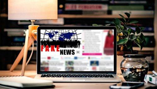 Нейронная сеть вычленяет недостоверные новостные сюжеты, опираясь на их лингвистические характеристики. Фото CC0 Public Domain.